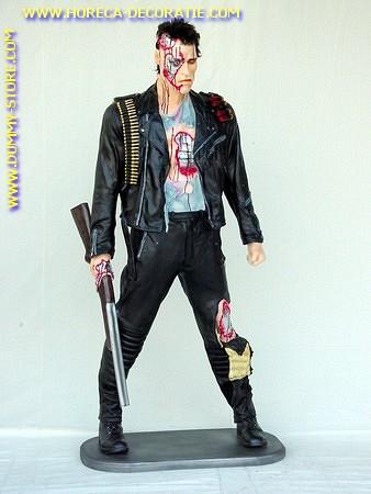 Terminator, hoogte: 1,94 meter
