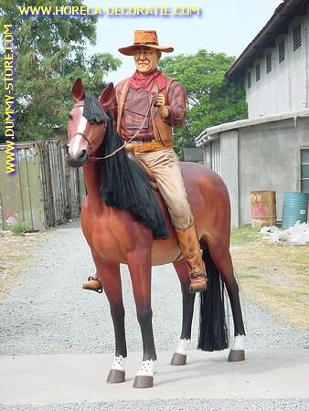 John Wayne op paard, levensgroot