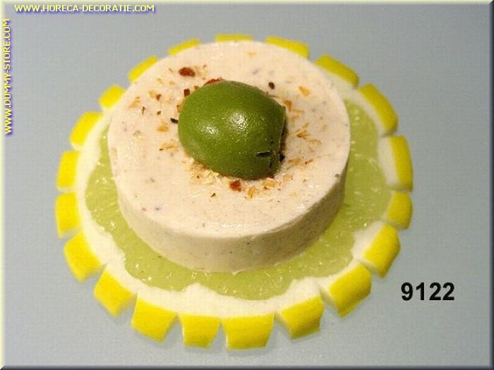 Kruidenboter, op plakje citroen en olijf - dummy