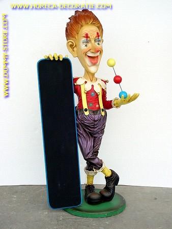 Clown met krijtbord, hoogte: 1,87 meter
