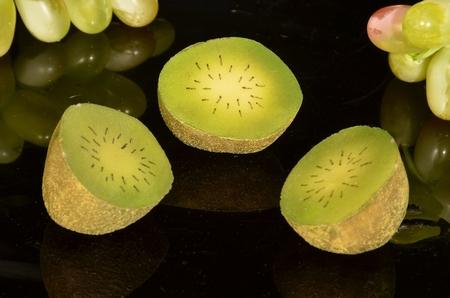 Kiwi, halve, 3 stuks, 65x70 mm - Fruitdummy
