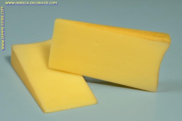 Kaas, wigstuk 2 stukken - 160 x 75 mm - Kaasdummy