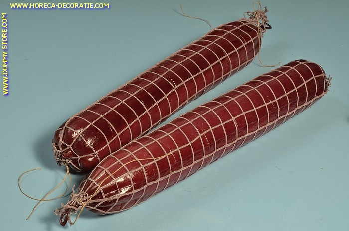 Salami in net, 2 stuks (B3) - 65x450 mm - dummy