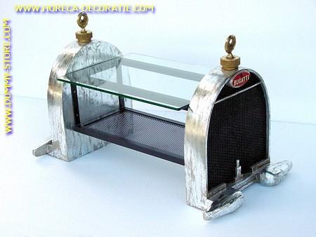 Bugatti midden tafel met glas