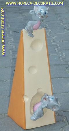 Kaas met ondeugende muisjes,50x26 cm
