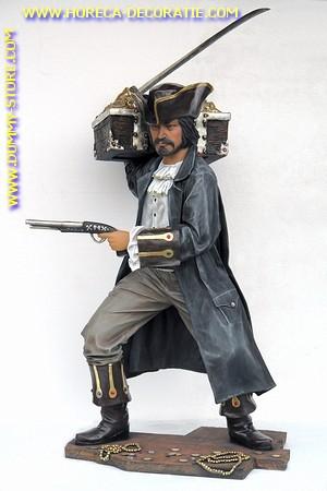 Buccanier piraat met schatkist, hoogte: 1,73 meter