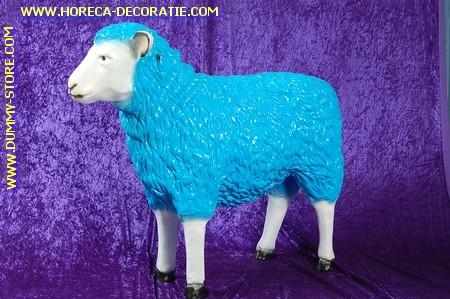 Schaapje met blauw jasje