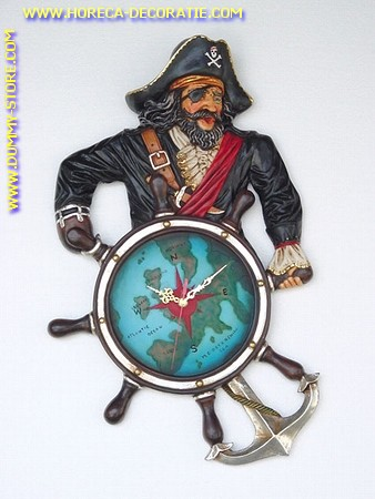 Piraat met stuurwiel (KLOK) 70x43x7 cm.