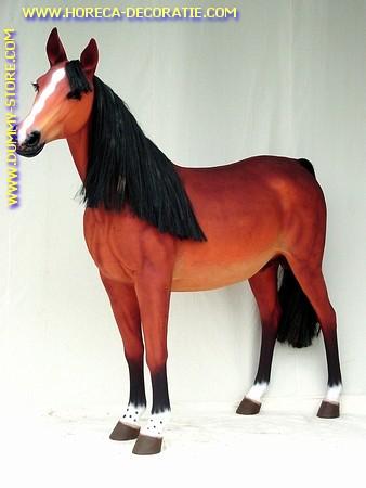 Paard, hoogte: 1,60 mtr, lengte: 1,75 mtr