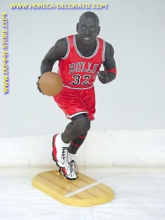 Basketball speler, hoogte 0,98 meter