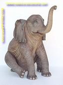 Baby Elefant sitzend, Höhe:1,40 mtr, Breite: 1,40 mtr