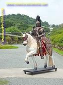 Ritter auf Pferd
