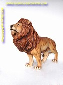 Leeuw, staand, L: 1,37 mtr, H: 1,37 mtr, B: 0,72 mtr