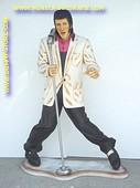 Elvis, hoogte: 1,18 meter