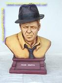 Frank Sinatra (buste), h: 0,61 meter
