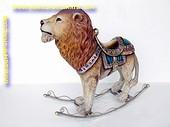 Kermis Schommel Leeuw, hoogte: 0,85, lengte: 1,00 meter