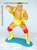 Hulk Hogan, hoogte: 0,95 meter